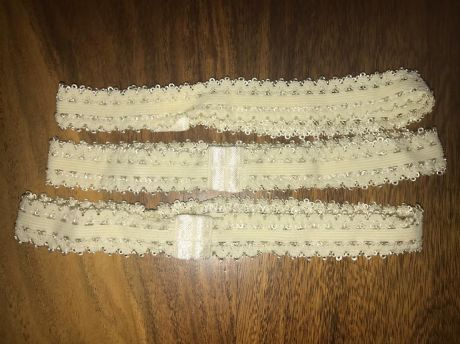 3 x PRE MADE SIZE 3/4 WIDE CREAM FRILLY EDGED ELASTIC HEADBANDS (3)
